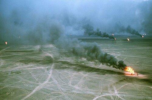 Hořící ropné vrty. Zdroj: sohoblues.com