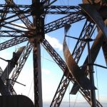 Na Eiffelovu věž byly instalovány dvě větrné turbíny