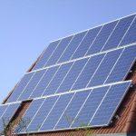 EK zavádí antidumpingová cla na 3 čínské vývozce solárních panelů