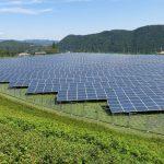 Solární a větrná energie v Británii podstatně levnější než jaderná