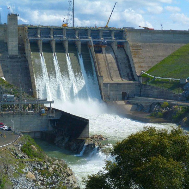 Vodní elektrárna přehrada