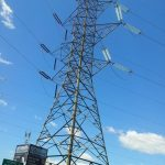 Bez proudu jsou statisíce domácností, ČEZ vyhlásil kalamitní stav