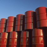 Země OPEC v říjnu zvýšily těžbu ropy na nový rekord