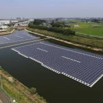V Japonsku otevřely dvě obří plovoucí solární elektrárny