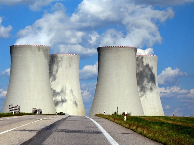 Dostavba jaderných elektráren