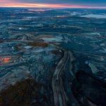 Nízké ceny ropy trápí producenty z ropných písků v Kanadě