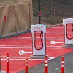 Továrna automobilky Tesla v ČR? Mládek má jasno
