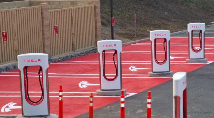 tesla v české republice - supercharger