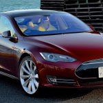 Jak se vyvíjí elektromobil Tesla? Panelová diskuze v Praze s českým inženýrem z Tesla Motors