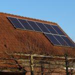 Ministr Brabec: Stát plánuje investiční podporu fotovoltaických elektráren na střechách