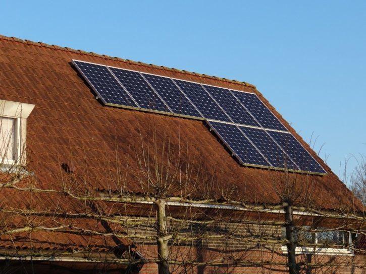 solar-panels-671454_1280
