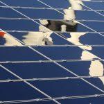 IRENA: Cena elektřiny z fotovoltaiky a větru bude stále klesat