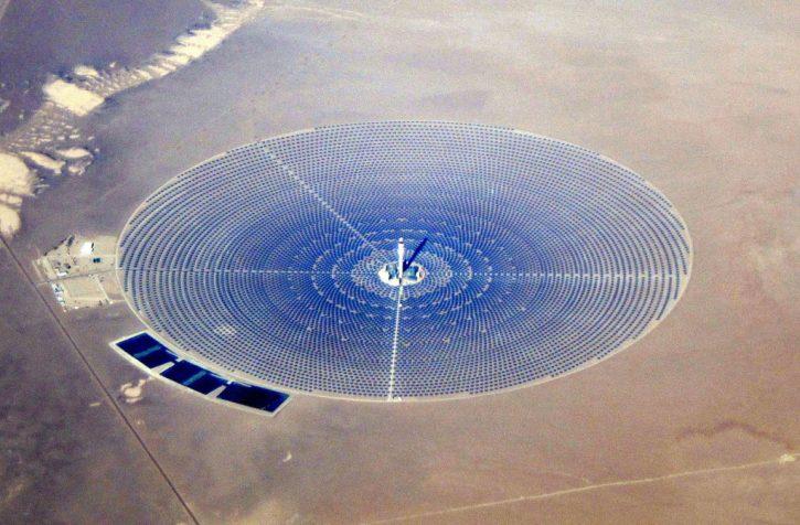Crescent_Dunes_Solar_December_2014