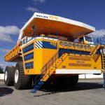 Největší sklápěč na světě pracuje v dolech a má elektrický pohon