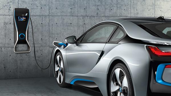 BMW i8 dobíjení