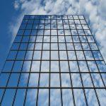 Okna mrakodrapů – solární elektrárny budoucnosti