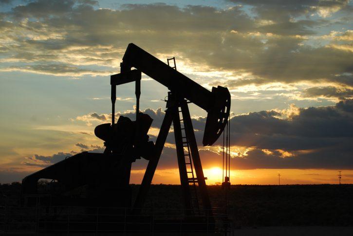 Omezování těžby ropy USA. Ilustační foto