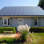 Hybridní solární střecha dodá domu elektřinu i teplo