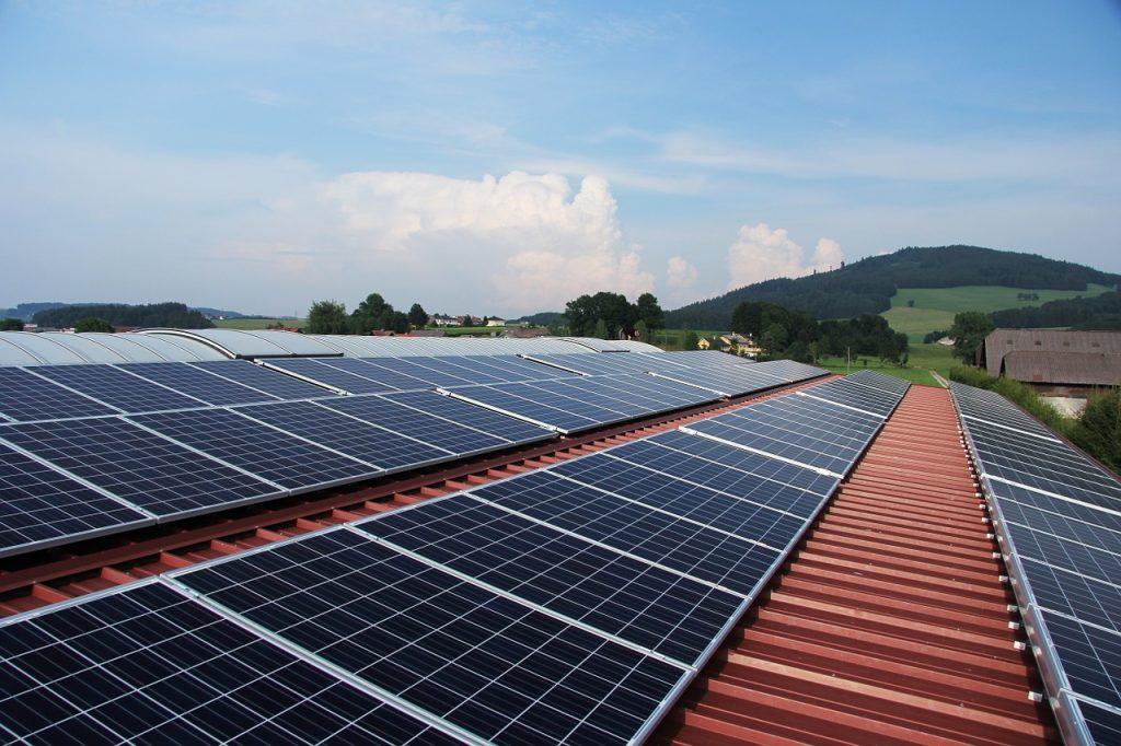 Solární panel na střeše