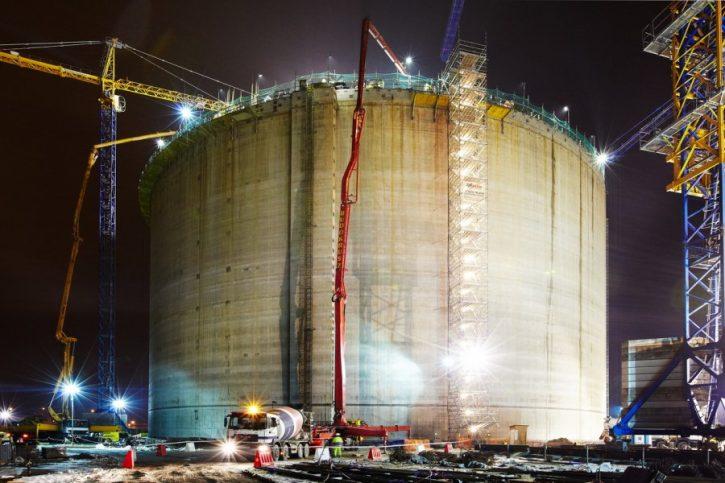 Výstavba polského terminálu na LNG. Ilustrační foto