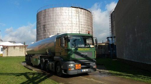 Odvoz nafty ze skladu Viktoriagruppe. Zdroj: SSHR
