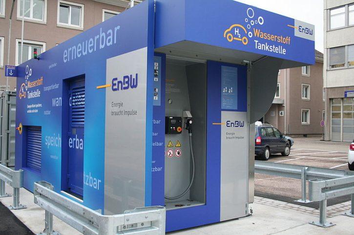 800px-Wasserstofftankstelle_EnBW_4