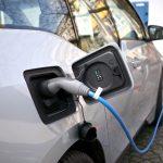 MPO má nově vést evidenci dobíjecích stanic pro elektromobily
