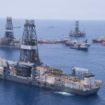 Nízké ceny ropy nutí těžební společnosti k užší spolupráci