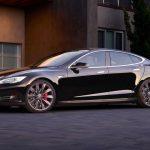 Tesla Model S nově umí sama otevřít vrata a vyjet z garáže (video)