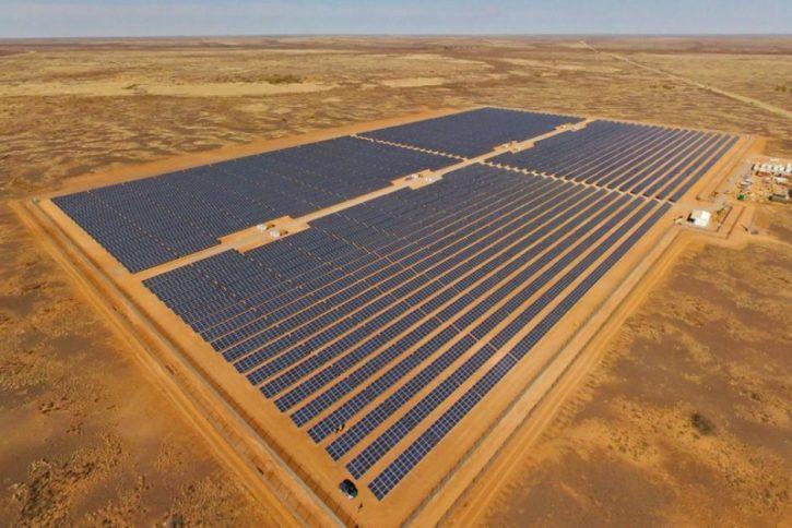 Off-grid solární elektrárna společnosti JuWi v Africe. Zdroj: JuW