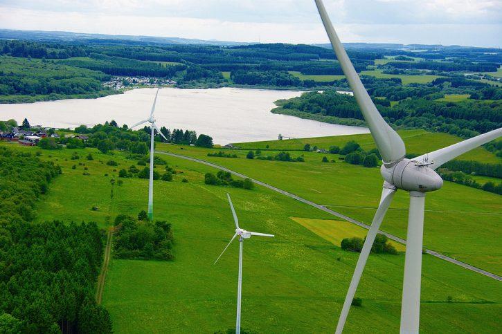 Větrné elektrárny v Německu vyrobily stejné množství elektřiny jako hnědouhlené elektrárny