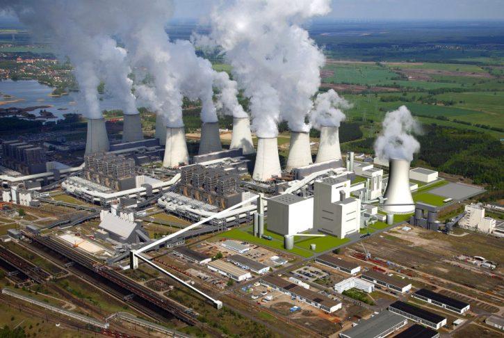 Německá uhelná elektrárna Jänschwalde včetně navrhované demonstrační jednotky pro zachytáváníí a ukládání oxidu uhličitého- Zdroj: Vattenfall