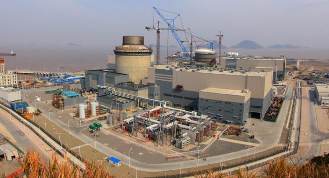 Výstavba čínské elektrárny Sanmen s reaktory AP1000 od Westinghouse. Zdroj: Westinghouse