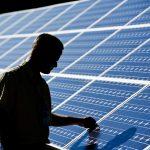 Minimální dovozní cena fotovoltaických panelů do EU zůstává nezměněna