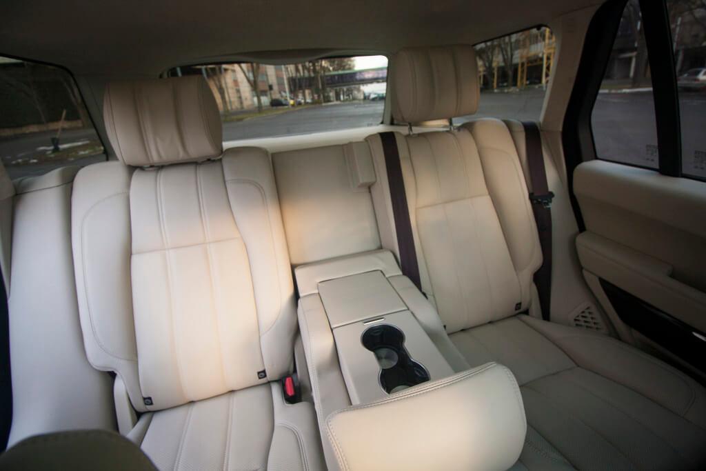 Range Rover Hybrid 2015 - Interiér (foto: Tomáš Jirka)