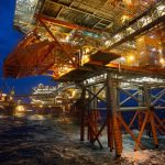Silná bouře si ve čtvrtek vynutila omezení těžby ropy v Severním moři