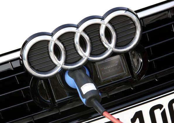 Flottenversuch Muenchen: Audi A1 e-tron beim Ladevorgang