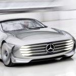 Čtyři nové elektromobily mají Mercedesu pomoci držet krok s konkurencí