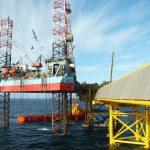 Těžba ropy a plynu v Severním moři je na rekordním minimu
