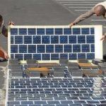 Francouzské silnice mají v následujících letech pokrýt solární panely