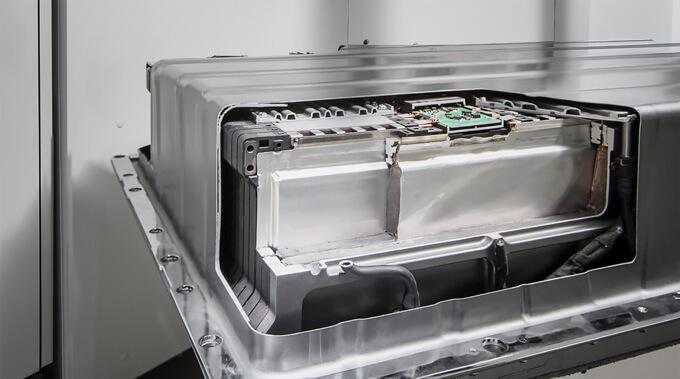 Akumulátory společnosti Daimler, které jsou využívány například ve elektromobilech Smart. Zdroj: Mercedes-Benz