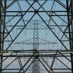 Britský regulátor omezí prémie malým výrobcům elektřiny za výrobu ve špičce