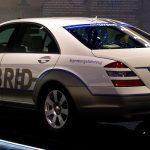 Mercedes a BMW vyvíjí bezdrátové nabíjení pro elektromobily