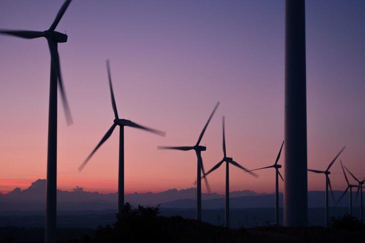 windmills-984137_960_720