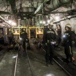 Zásob černého uhlí připravených k vytěžení v Česku ubývá