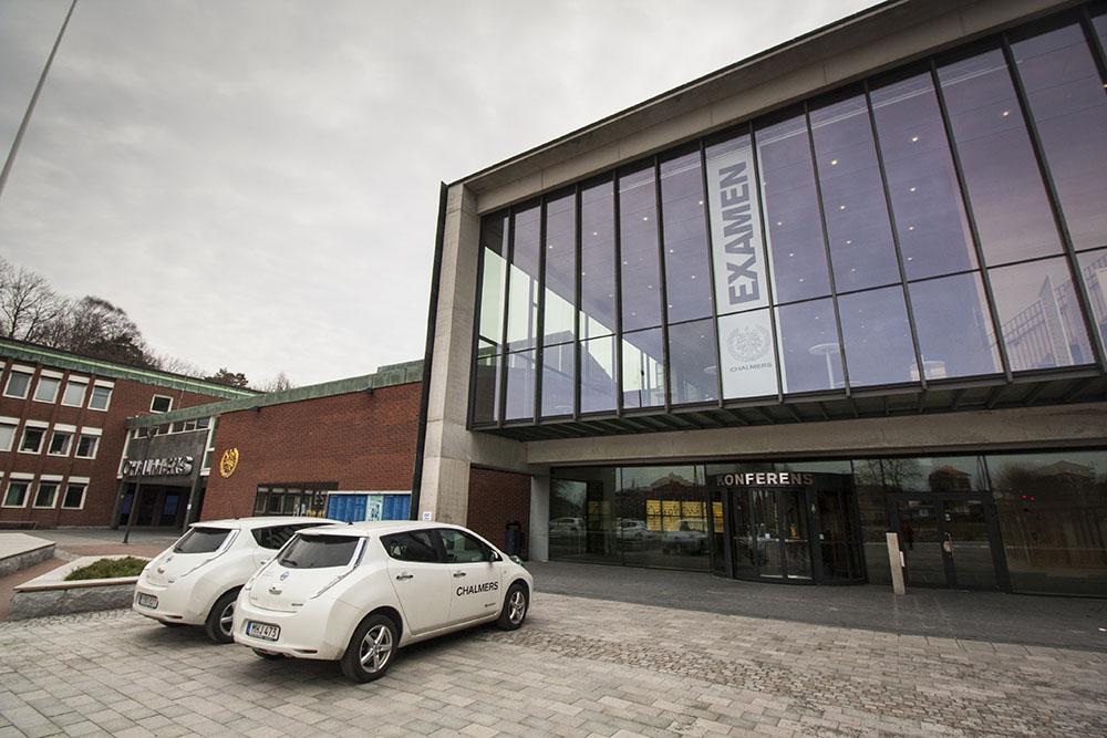 Školní elektromobily Nissan LEAF na Chalmers University of Technology. Foto: Tomáš Jirka