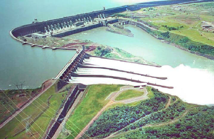Vodní elektrárna Itaipu, 14 GW zdroj elektřiny pro Paraguay a Brazílii