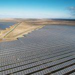 Velkým fotovoltaickým elektrárnám v USA stále dominuje krystalický křemík