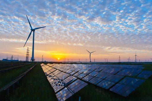 """Obnovitelné zdroje jsou jedním z """"viníků"""" současné nepříjemné situace pro provozovatele klasických elektráren."""