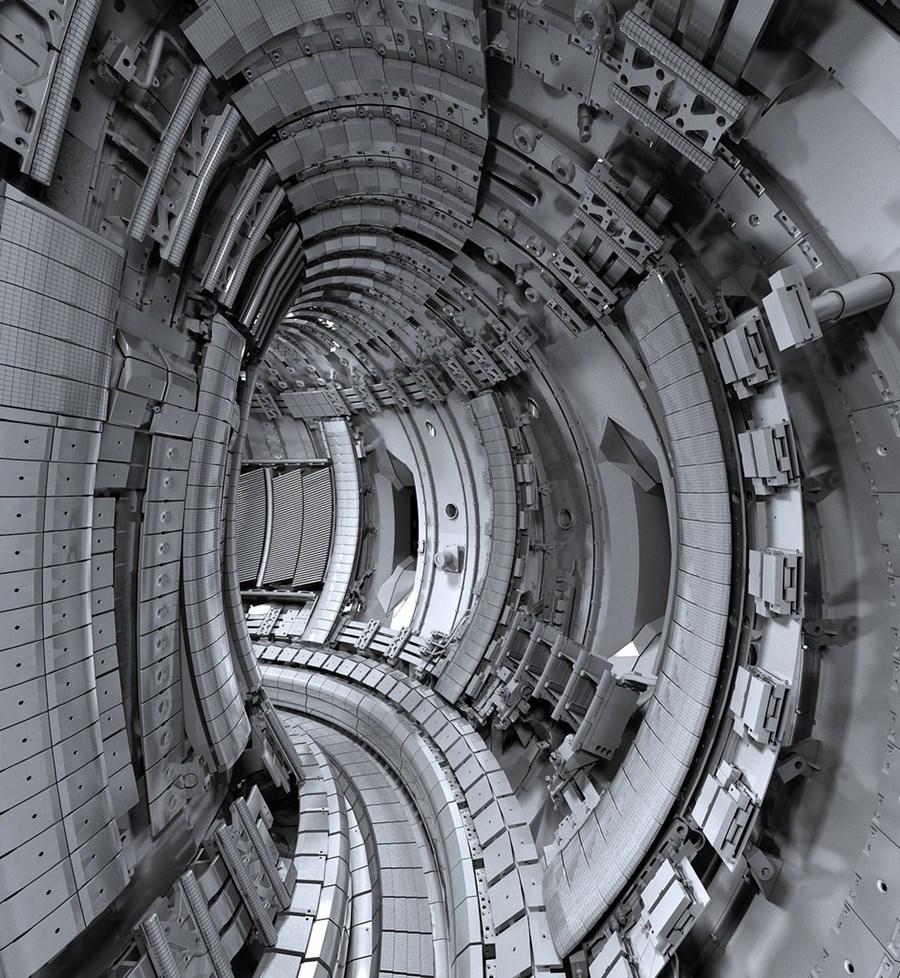 Pohled do nitra tokamaku JET; Zdroj: ITER